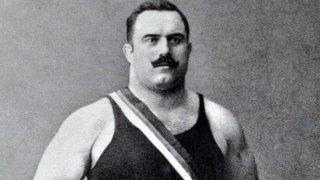 Най-силният мъж на света и първият български световен шампион: От цирковите арени до вечната слава
