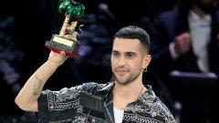 Победителят Махмуд показва колко раделено е италианското общество в момента. А музиката отдавна вече е превзета от политиката.