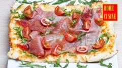 Бърза пица с рукола и прошуто