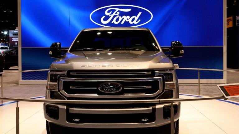 Ford Super Duty Не са много епитетите, които могат адекватно да опишат мощта и подвижността на Ford Super Duty: може би най-добрият автомобил-камион, който може да си купите. Super Duty от 2019 е ултимативният автомобил за Ford-феновете, които обичат лукса и суровата сила и искат да ходят по язовири и блата с нещо, в което да са заобиколени от лукса, на който са свикнали.