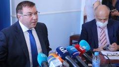 Здравният министър наблюдава неизпълнение на заповедите му в пълен обем