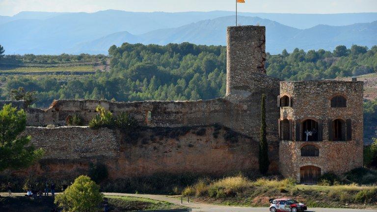 Салоу е испански град от 26 650 жители в Коста Дорада, Тарагона, Каталуния, Испания, на 10 km от Тарагона и 9 от град Реус, а също така и в близост до градовете Камбрилс, Виласека и Пинеда. Той се счита и за столица на Коста Дорада, която е най-важната туристическа дестинация. Основан от гърците през VI в.пр.Хр., градът е бил и важно търговско пристанище през Средновековието и Новото време.
