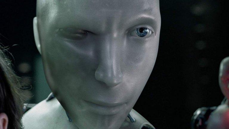 """N5-5, """"Аз, роботът"""" (2004 г.)  ОК, пренебрегваме факта как този холивудски екшън филм се гаври с едноименната творба на великия Айзък Азимов. Ако се опитвате да мислите за филма с Уил Смит като за нещо съвсем отделно, той е напълно гледаем. В него хуманоидни робити служат на човечеството и не са ни избили само заради Трите закона на роботиката, които в общи линии ги държат оковани от човешката воля. Героят на Смит е полицай, който разследва убийството на съоснователя на компанията, която произвежда роботите. Заподозрян е... робот. Как се развива всичко нататък няма да ви казваме (все пак може да решите да гледате филма, в случай, че не сте), но отново става ясно, че на роботите не трябва да се има твърде много вяра."""