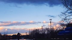 After Rain - Вървях, разглеждах кадри на телефона си, и по-специално тези на Blooming sunset, когато отражението в плочките хвана вниманието ми, меки топли и студени цветове.