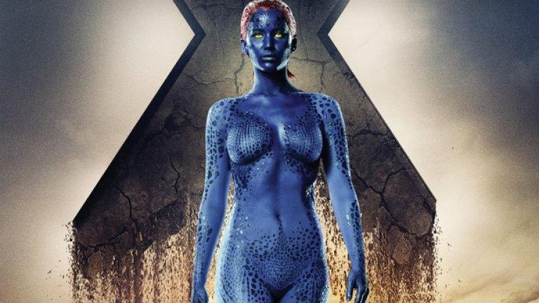 X-Men: The First Class   X-Men: First Class зарадва феновете на вселената на Marvel – той освежи един започнал да затъва франчайз и дори успя да привлече нови почитатели, защото събра на едно място Майкъл Фасбендър, Джеймс Макавой, Кевин Бейкър и Оливър Плат. Дженифър Лорънс е в ролята на Мистик, която може да променя външния си вид, както пожелае.   Естествената й форма обаче е меко казано странна – тя е със синя, люспеста кожа, жълти очи и червена коса. Продуцентите решават да се доверят на таланта на актрисата и й отделят доста екранно време. За тези, които не си падат особено по свръхчовеци и мутанти, остава фактът, че без дегизировката си Лорънс изглежда като да е само по син боди-арт.