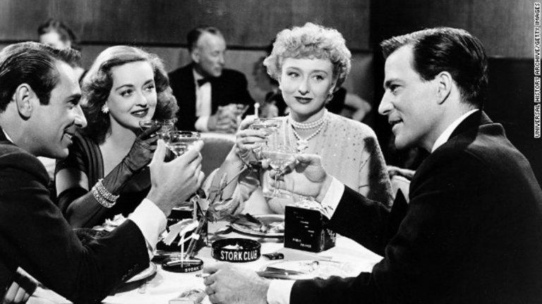 """All About Eve - 14 номинации през 1951 г.   В продължение на близо половин век този филм с Бет Дейвис, Ан Бакстър и Джордж Сандърс държеше рекорда за най-голям брой номинации. Две от актрисите му получават самостоятелни номинации за главна женска роля, а още две - за поддържаща. За съжаление нито една от четирите дами не успява да спечели """"Оскар"""", за разлика от Сандърс, който е награден за най-добра поддържаща мъжка роля."""