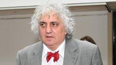 Според Лозанов не става дума за невинна жълта глупост, а за опит за обезмисляне на медийната регулация