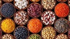 Рак, диабет, сърдечни заболявания, пърхот... могат ли наистина те да се излекуват, или поне да бъдат предотвратени от храна? В следващите снимки вижте няколко суперхрани, чиито способности са прехвалени.