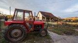 И от френска, и от белгийска страна реагираха на случая с усмивка, но ако фермерът не върне граничния камък на мястото му, го заплашва наказателно преследване