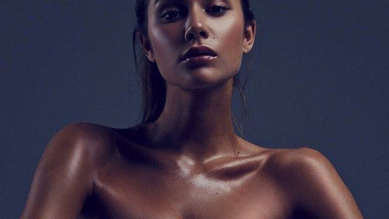 Освен актриса, рускинята се изявява и като фотомодел.