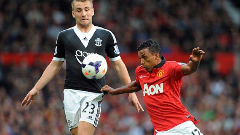 7. Люк Шоу -  Той е цел и на Челси, на който е фен от дете.   Преследването на левия защитник може да се окаже   трудна работа, особено ако Юнайтед не може да му   предложи европейски мачове