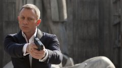 """Очевидно не само """"Смъртта може да почака"""", но и премиерата на филма за Агент 007."""