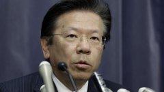 Тетсуро Айкава, президент и главен изпълнителен директор на корпорация Mitsubishi Motors, призна за грешка в тестовете, провеждани от компанията при отчитане на разхода на гориво при 4 модела автомобили. На 20 април 2016-та корпорацията проведе специална прескондеренция в Токио.  Снимка: Getty Images