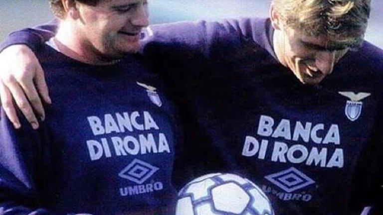 Пол Гаскойн имаше труден период в Лацио. На тази снимка с Ален Бокшич тежи над 100 кг.
