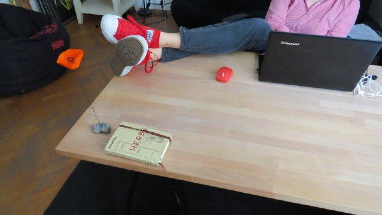 Освен ако дрескодът за офиса ви не изисква нещо по-ангажиращо, All Star II са перфектните работни обувки. Е, освен ако не работите на нива