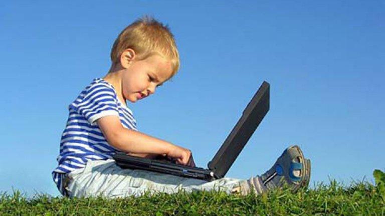 Играйте си с детето, говорете  му и не го оставяйте само пред екрана