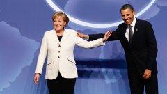 Лидерите на двете велики сили Германия и САЩ в дружески досег, но подходите на Меркел и Обама за излизане от кризата са коренно различни