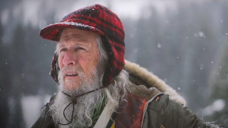 Били Бар от десетилетия живее изолиран и знае как да се справя с последствията от това.