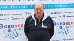 """Кръчмаров е бащата на съвременния формат на волейбола, а именно """"грешка-точка"""" (така наречената """"рали пойнт систем""""). Предложението на Петър от 1993-та е узаконено от световната волейболна федерация през 1998 г. за всички страни."""