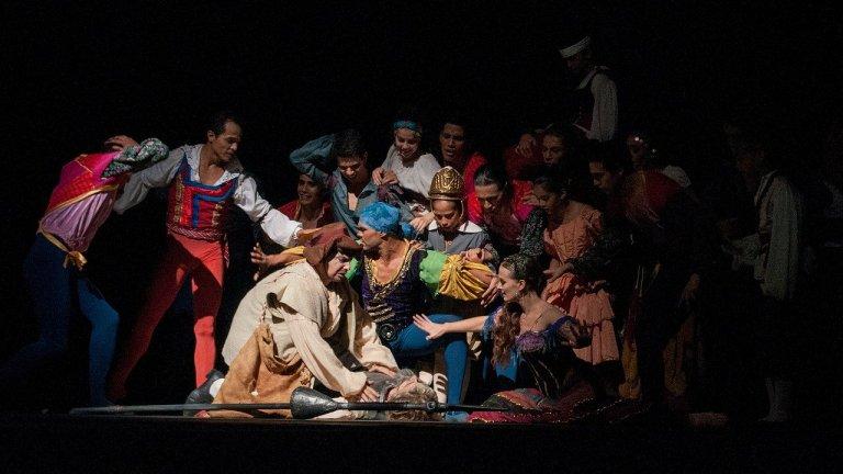 Театрите започват работа с разредени спектакли и по-малко премиери