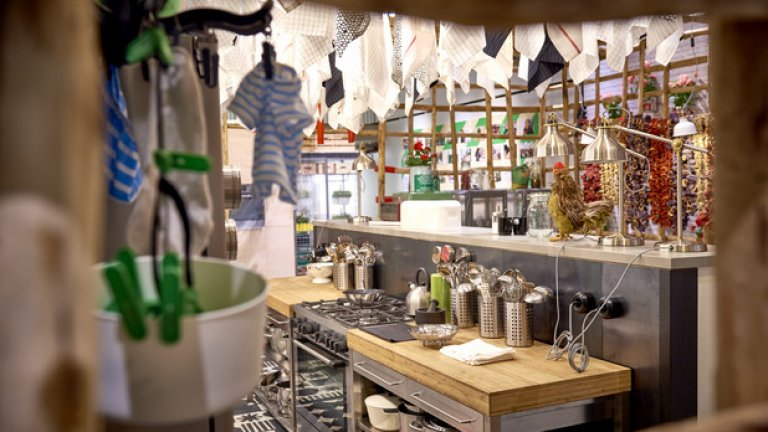 Част от временната експозиция, посветена на кухненското обзавеждане