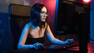 Пиратстваш игри, копаеш криптовалути за другиго: Хакери изкараха 2 милиона от геймъри