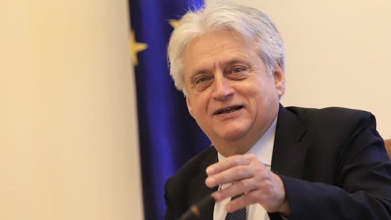 Служебният вътрешен министър заяви, че в работата си от мутренските времена през 90-те съжалява само за едно - че не е успял да се справи с Бойко Борисов