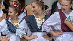 Банатчани са българите, сред чиито традиционни ястия има галушки и паприкаш, за които всяка добра домакиня си има свои особености на приготвянe