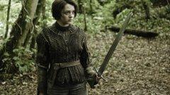 """След смъртта на баща си, Аря от """"Игра на тронове"""" знае, че е болезнено сама. И се примирява с това"""