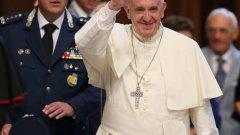 Причината е разследване за финансови престъпления във Ватикана