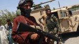 Правителствената армия изостави огромно количество оръжие и техника в ръцете на талибаните