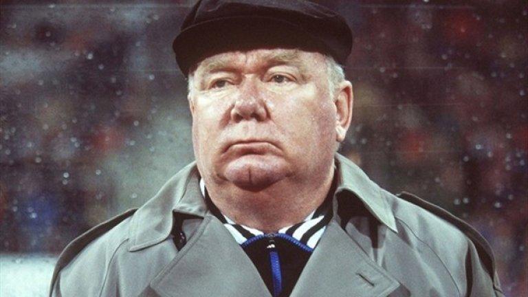 Великият треньор Валерий Лобановски е в основата на големите отбори в историята на Динамо (Киев)