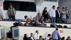 Йордан Лечков и Емо Костадинов трябва да предложат името на новия треньор.