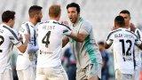 Пирло спаси кожата с победа над Наполи, но Интер остава далеч напред