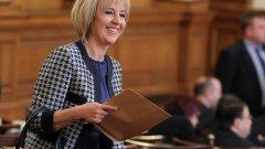 Ако иска да стане кмет на София, на Мая Манолова ще й трябва много повече от просто ядосване