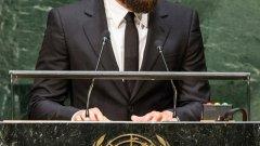 Актьорът изнесе сериозна над три-минутна реч на форума, посветен на климатичните промени, който се проведе в централата на ООН в Ню Йорк. Той говори пред 120 държавни лидери от цял свят