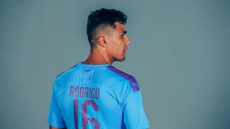5. Родри – от Атлетико Мадрид в Манчестър Сити, 70 млн. евро Пеп Гуардиола желаеше силно испанския полузащитник и не спря, докато не постигна целта си. 23-годишният Родри бе взет за наследник на вече 34-годишния Фернандиньо в разрушаването на противниковите атаки.