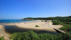 Концесионерът е затворил заведенията на плажната ивица и в близките дни предстои напълно да прекрати дейността си