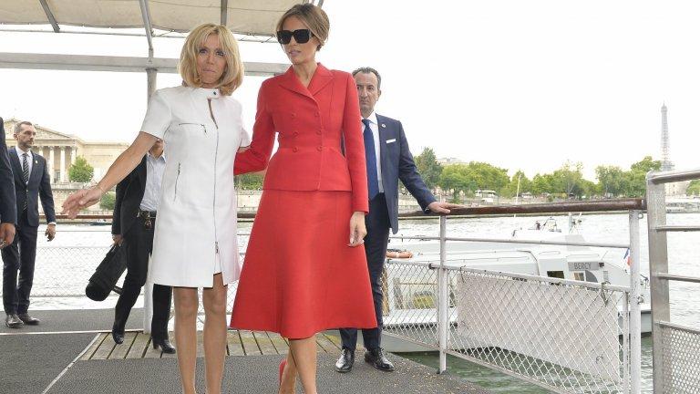 В червено за Деня на Франция - 14 юли
