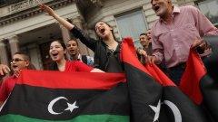 """Започват да се появяват срамни петна върху либийската """"революция"""""""