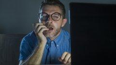 Липсата на професионални модератори води до скок в съдържанието за възрастни