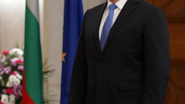 """Румен Радев препоръча на Борисов да не води кампания """"с пари от държавния бюджет"""""""