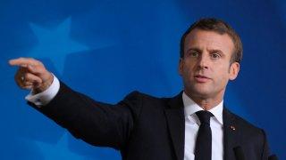"""Френският президент изиска от лидерите на общността да приемат Харта на републиканските ценности, или """"ще си направим заключенията"""""""