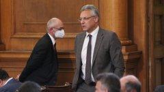 Според Валери Жаблянов върху Народното събрание се уражнява медийна вакханалия