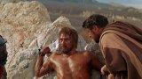 """""""Спартак"""" (Spartacus)  Историческият епос, излязъл по екраните през 1960 г., е режисиран от Стенли Кубрик, а Кърк Дъглас е в главната роля – може би най-известната му. Сценарият, написан от Долтън Тръмбо, е адаптация по едноименния роман на Хауърд Фаст. Проследява историята на гладиатора-роб Спартак и събитията покрай историческото въстание, чийто вдъхновител и основен организатор е самият той."""