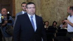 Мандатът на Сотир Цацаров изтича на 10 януари 2020 г., а по план до 24 октомври тази година трябва да се знае името на неговия наследник