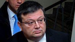 Сулев е обвинен в кражба на ток и склоняване към проституция