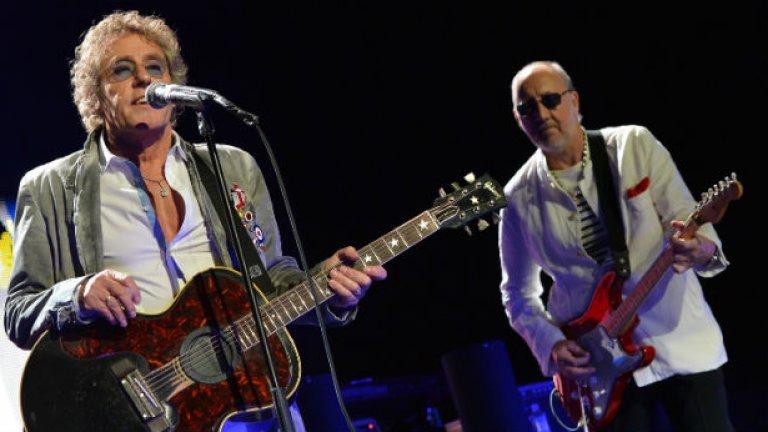 """The Who - Farewell Tour (1982)  Певецът Роджър Долтри държеше The Who да спрат с турнетата и директно призна на пресконференция: """"Кошмарно е"""". Той обясни, че рок величията просто няма как да станат по-големи от това, което са в момента и добави: """"Хубаво е да се оттеглиш на върха"""". Дипломатичният Долтри пропусна да спомене, че проблемите с пиенето и наркотиците на китариста Пийт Таунсенд са най-големият проблем в турнетата на емблематичната банда.   През 1989-а някои рани бяха излекувани и The Who подновиха пътуванията. Долтри и Таунсенд продължават и до днес, като през декември миналата година издадоха нов албум."""