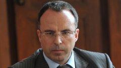 """Румен Порожанов беше номиниран за директор на ДФ """"Земеделие"""" ден след като съдът осъди държавата да възстанови бившия титуляр на поста - Мирослав Николов"""