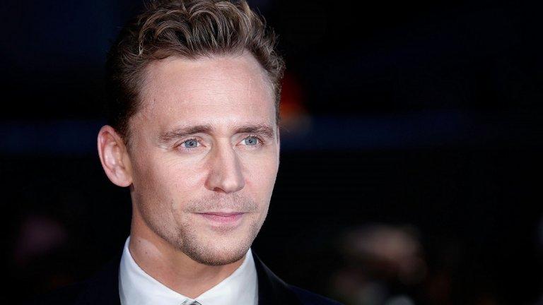 """Том Хидълстън е познат на масовата си публика с филмовите си роли, макар да печели овациите на критиката си и с изпълненията си на театрална сцена - като например в """"Хамлет"""" на Кенет Брана (2017)."""